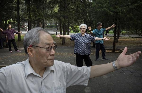 Tìm bạn tình ở công viên, người già TQ làm bùng phát bệnh HIV-3