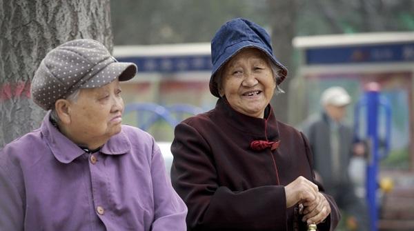 Tìm bạn tình ở công viên, người già TQ làm bùng phát bệnh HIV-4