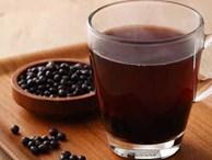 """Uống nước đậu đen rất tốt nhưng nếu làm thêm 1 bước """"đặc biệt"""" này khi nấu, bạn sẽ thấy sức khỏe thay đổi ngoạn mục trong thời gian ngắn"""