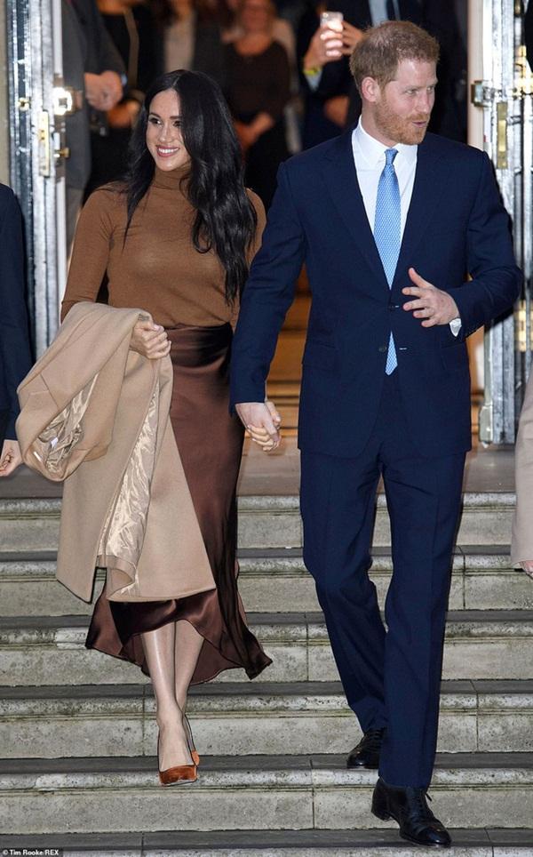 Hoàng tử Harry lặp lại lịch sử sau 83 năm: Kết hôn với phụ nữ Mỹ từng ly dị và rời khỏi gia đình hoàng gia Anh hệt như vua Edward VIII-3