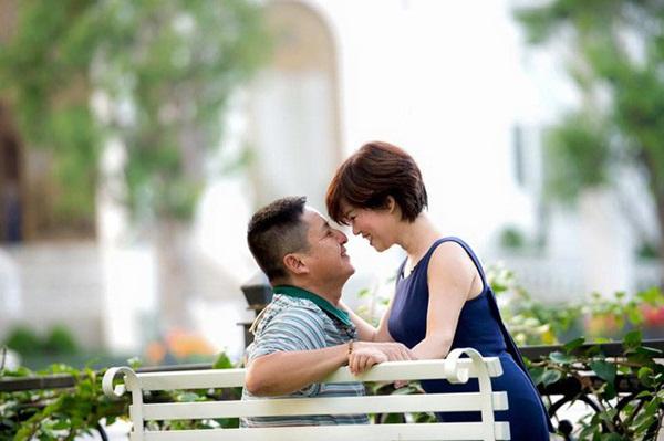 Danh hài Chí Trung đã ly hôn người vợ gắn bó hơn 30 năm, có bạn gái mới là doanh nhân-1