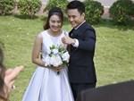 Những hình ảnh đẹp hơn phim phía sau đám cưới của Hoa hồng trên ngực trái-10