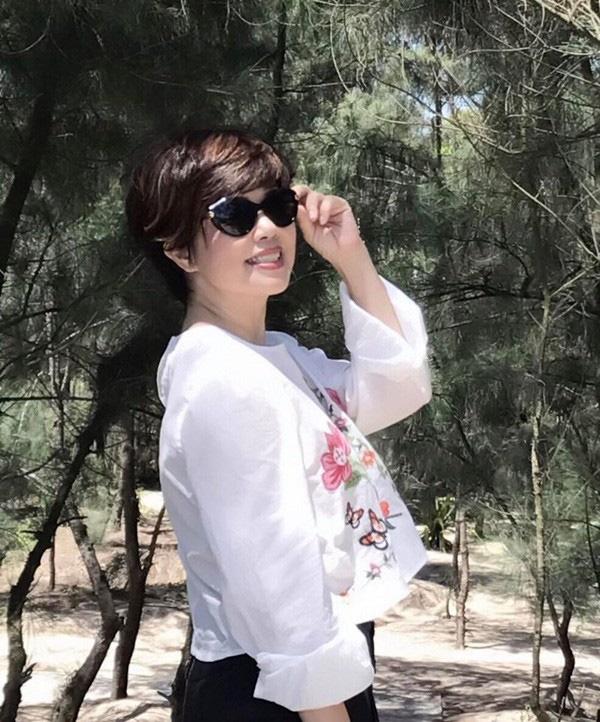 Nhan sắc trẻ trung tuổi U60 của diễn viên Ngọc Huyền, vợ cũ Chí Trung-2