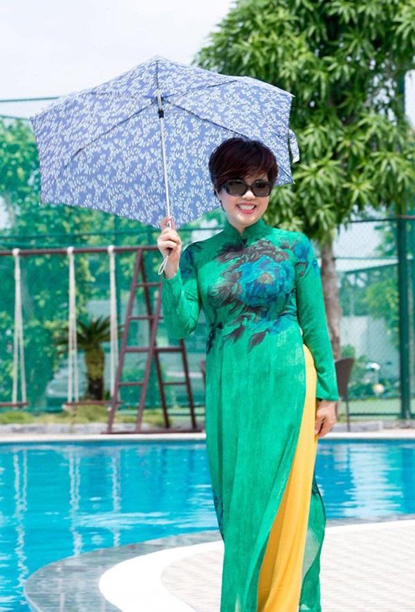 Nhan sắc trẻ trung tuổi U60 của diễn viên Ngọc Huyền, vợ cũ Chí Trung-7