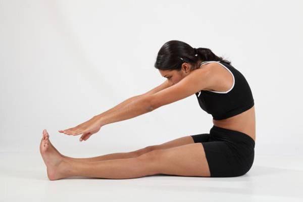 Làm 2 động tác đơn giản này 10 phút trước khi đi ngủ giúp bổ thận, giải độc-2