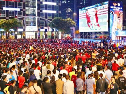SVĐ Hoa Lư lắp màn hình led khổng lồ cổ vũ trận Việt Nam - UAE