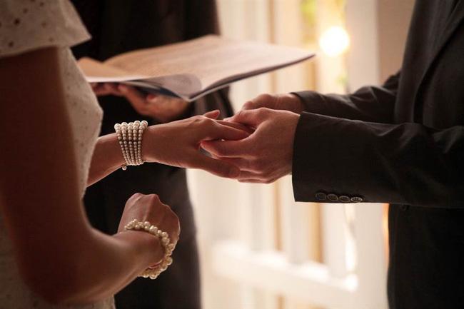 Thiếu gia nhà giàu gây sốc khi tổ chức lễ cưới chỉ với 4 bàn tiệc, lời giải thích được đưa ra khiến nhiều người nể phục-1
