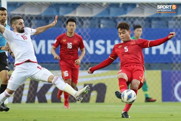Tuyển thủ U23 Việt Nam hành động thiếu kiềm chế với trọng tài chính ở VCK U23 châu Á 2020-1