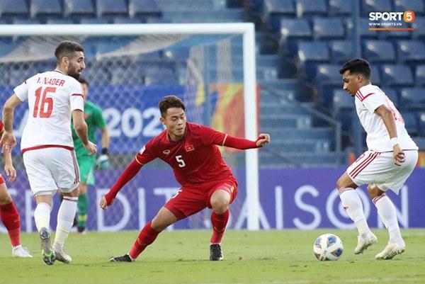 Tuyển thủ U23 Việt Nam hành động thiếu kiềm chế với trọng tài chính ở VCK U23 châu Á 2020-5