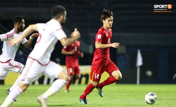 Tuyển thủ U23 Việt Nam hành động thiếu kiềm chế với trọng tài chính ở VCK U23 châu Á 2020-6