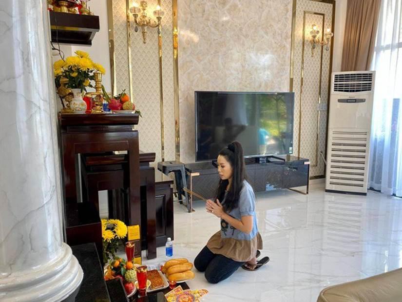 Được chồng tặng biệt thự 200m2, Trịnh Kim Chi tự khen đảm đang với mâm cỗ cúng đủ đầy-5