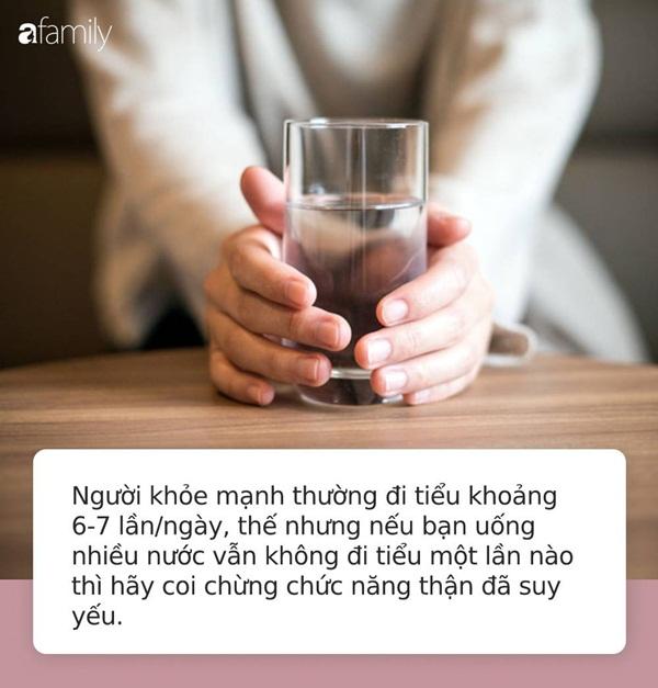Lần nào uống nước cũng thấy những biểu hiện này chứng tỏ cơ thể bạn đang mắc rất nhiều bệnh nguy hiểm-3