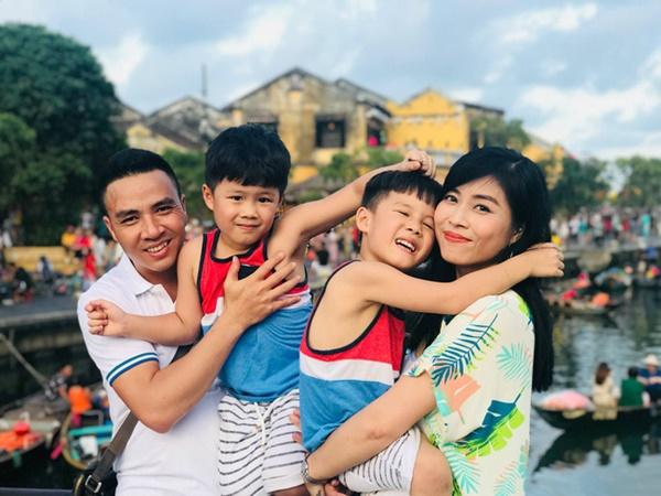 Con trai tặng quà sinh nhật đúng sở thích của MC Hoàng Linh, nhưng cách gọi mẹ mới cho thấy sự giáo dục đáng ngưỡng mộ-5