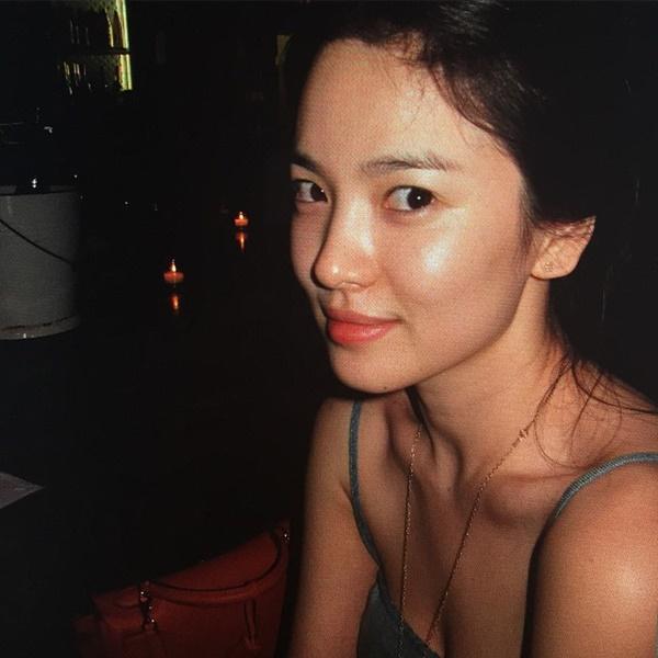 """Tưởng sau ly hôn Song Hye Kyo mới xõa"""", nhưng chưa lấy chồng cô đã ăn chơi"""" hết mình với loạt phá cách sau-6"""