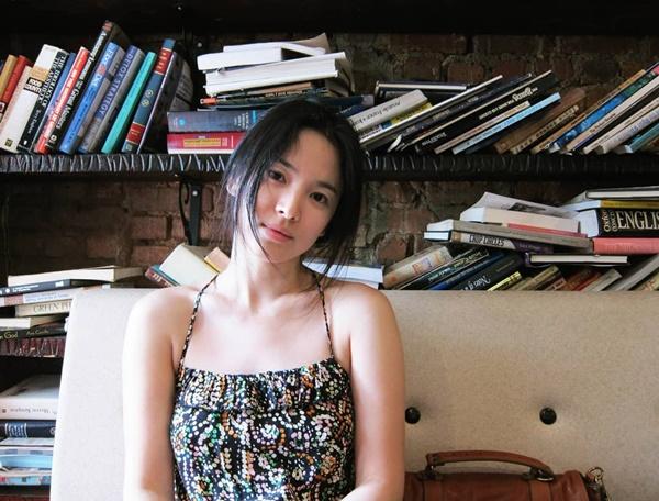 """Tưởng sau ly hôn Song Hye Kyo mới xõa"""", nhưng chưa lấy chồng cô đã ăn chơi"""" hết mình với loạt phá cách sau-7"""