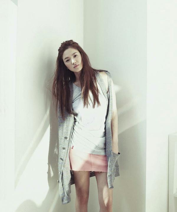 """Tưởng sau ly hôn Song Hye Kyo mới xõa"""", nhưng chưa lấy chồng cô đã ăn chơi"""" hết mình với loạt phá cách sau-12"""