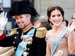 Hoàng tử Đan Mạch đẹp tựa nam thần khiến nhiều thiếu nữ tan giấc mộng khi giới thiệu bạn gái, người may mắn được chọn cũng vô cùng ưu tú-9