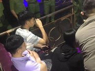 Đồng Nai: Đột kích quán bar Romance, phát hiện gần 100 'dân chơi' nghi phê ma tuý