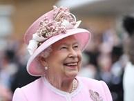 Nữ hoàng triệu tập hoàng gia Anh họp khẩn sau cú sốc Meghan và Harry