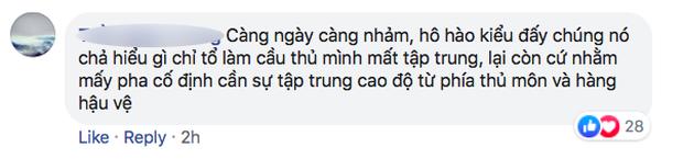 Fan Việt bức xúc với câu hát Bay lên trời là em bay ra ngoài: Phản cảm, nhức đầu, đối thủ chẳng hiểu gì mà lại khiến đội nhà mất tập trung-8
