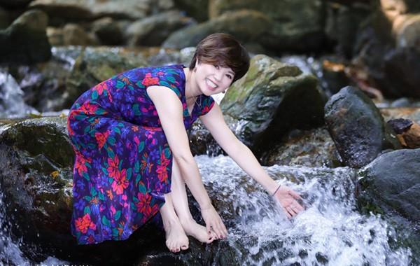 Cuộc sống bình yên vui vẻ bên con cháu của nghệ sĩ Ngọc Huyền sau khi ly hôn Chí Trung-3