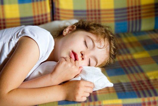 Chuyên gia cảnh báo trẻ nhỏ nghiện uống trà sữa có thể không phát triển chiều cao-2