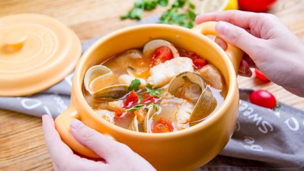 Nấu canh cá kiểu mới chống ngán ngày Tết, cả nhà phản đối nhưng khi ăn lại khen nức nở-5