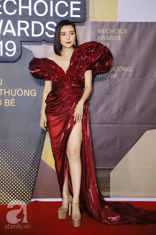 Chẳng đụng trang phục, loạt mỹ nhân Việt lại đụng nhau công thức khoe dáng tại thảm đỏ WeChoice Awards 2019-4