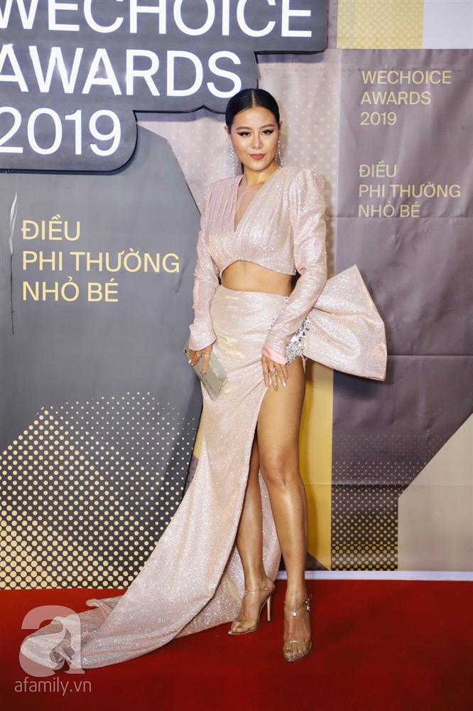 Chẳng đụng trang phục, loạt mỹ nhân Việt lại đụng nhau công thức khoe dáng tại thảm đỏ WeChoice Awards 2019-5