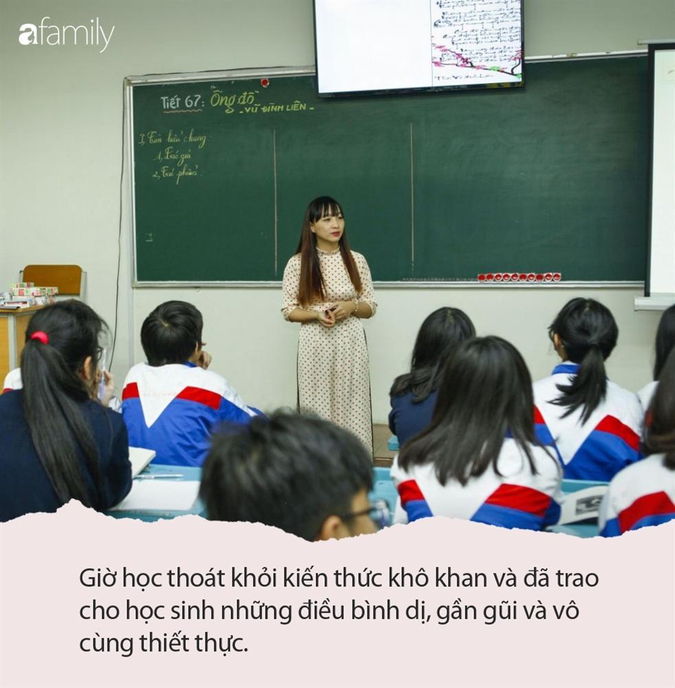 Cho cả lớp xem 1 đoạn phim bí mật, cô giáo Văn khiến học trò bật khóc nức nở, buổi họp phụ huynh sắp tới dự kiến đầy nước mắt-1