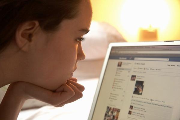 4 bài học mọi cha mẹ cần dạy con về Facebook-1