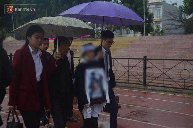 Gia đình nữ sinh giao gà bất ngờ làm đơn xin không tử hình cả 6 bị cáo sát hại con gái mình-3