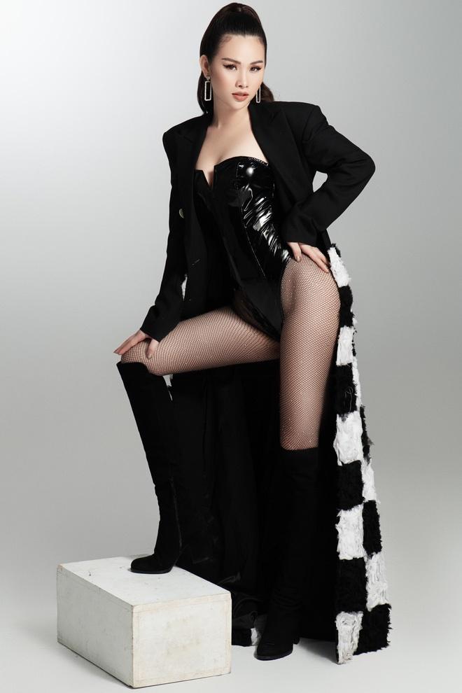 Á hậu Thanh Trang khoe thân hình nóng bỏng-4