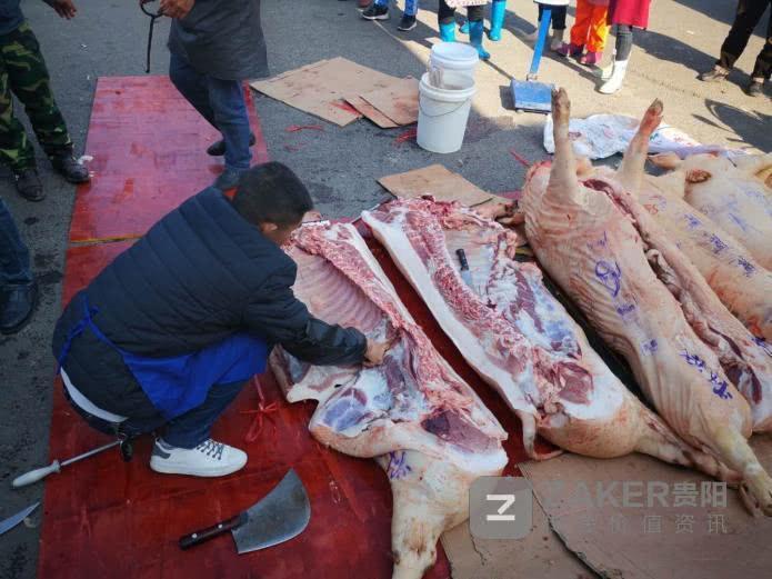 Giữa thời buổi thịt lợn đắt hơn vàng, một trường học chơi lớn thưởng nóng học sinh giỏi 30kg thịt khiến phụ huynh hò hét vì sung sướng-3