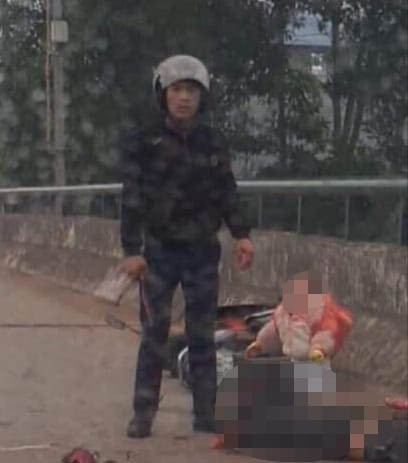 Thái Nguyên: Người đàn ông ép xe 2 mẹ con ngã xuống đường, lao vào chém mẹ tới tấp-2