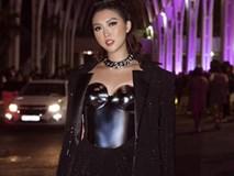 Hoa hậu Tường Linh mặc áo đúc bằng kim loại, nặng 3kg đi sự kiện
