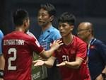 Góc giải mã: Tại sao cầu thủ U23 Jordan đi tất thủng lỗ chỗ đối đầu với Việt Nam?-4