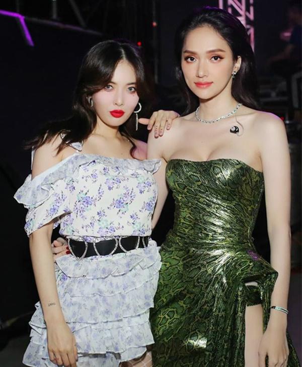 Hương Giang thích diện đồ ánh kim, khoe đường cong sexy lấn át HyunA-1