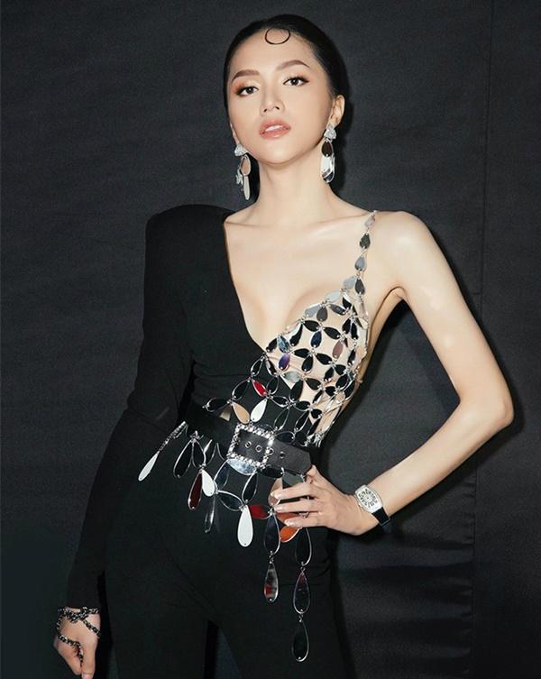 Hương Giang thích diện đồ ánh kim, khoe đường cong sexy lấn át HyunA-7