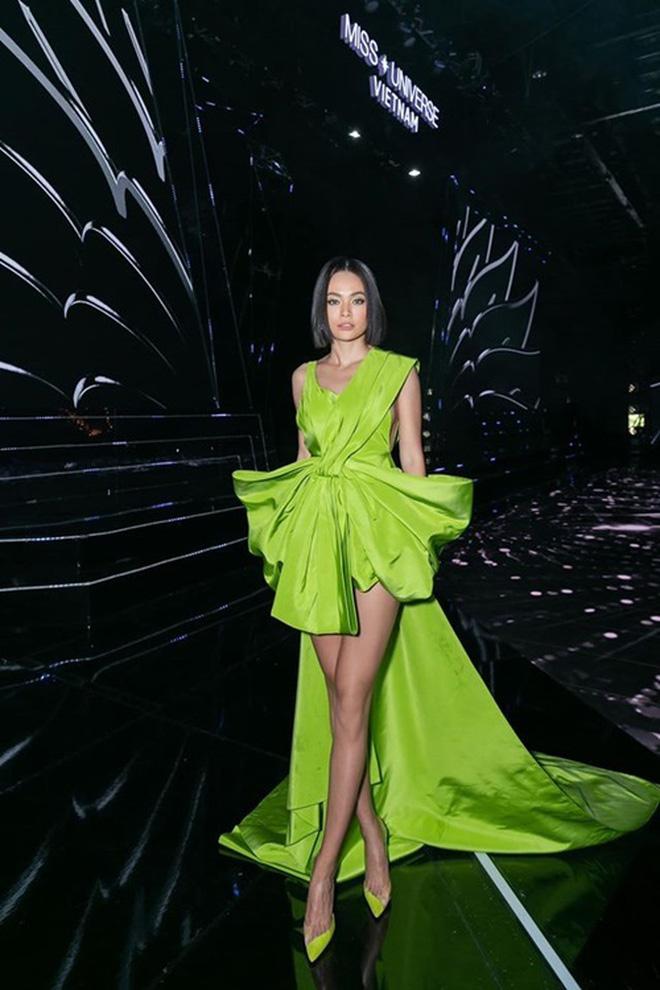 Màn đụng hàng cực gắt đầu năm 2020: Min - Hà Hồ chiếm thế thượng phong khi mặc chung váy với Hoàng Thùy-6