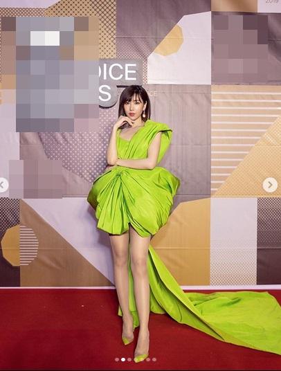 Màn đụng hàng cực gắt đầu năm 2020: Min - Hà Hồ chiếm thế thượng phong khi mặc chung váy với Hoàng Thùy-2
