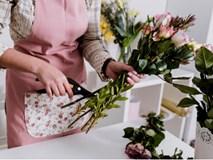 Mẹo giữ hoa tươi lâu trong 9 ngày Tết chị em nên biết