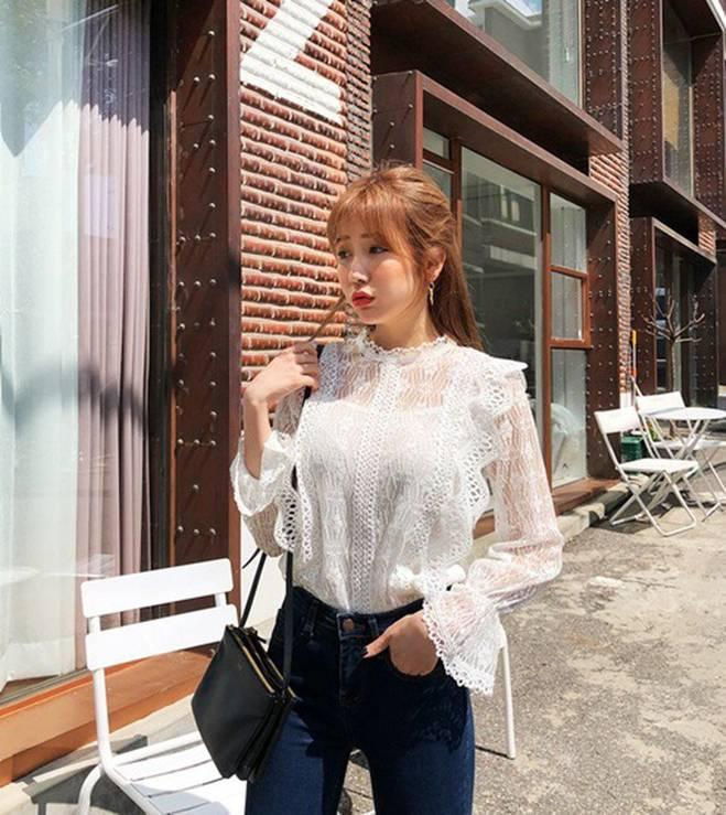 Diện cùng mẫu váy, Hari Won và Angela Phương Trinh chia nhau giải mặc xấu vì lộ mút ngực-11