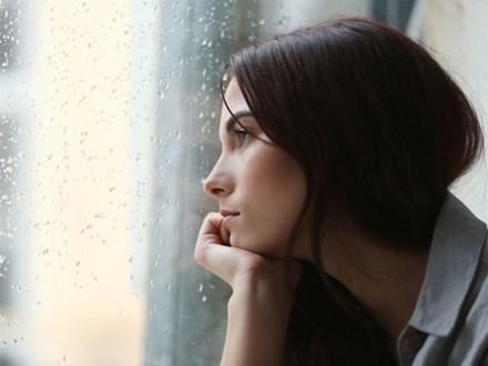 Nghe những chuyện cô bạn thời đại học của chồng kể lại mà tôi từ sốc chuyển sang chết lặng và có phần khinh thường chính chồng mình