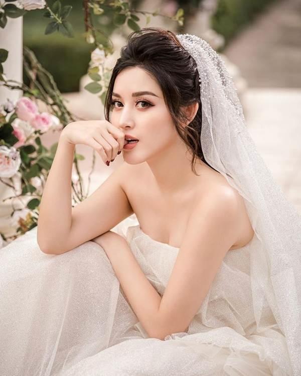 Á hậu Huyền My tung ảnh cưới đẹp như mơ dịp cuối năm khiến fans xôn xao-7