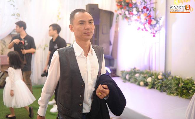Đám hỏi trung vệ Duy Mạnh - Quỳnh Anh: Chủ rể ngại ngùng khi đặt chân tới nhà gái-21