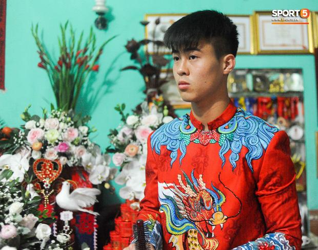 Đám hỏi trung vệ Duy Mạnh - Quỳnh Anh: Chủ rể ngại ngùng khi đặt chân tới nhà gái-23