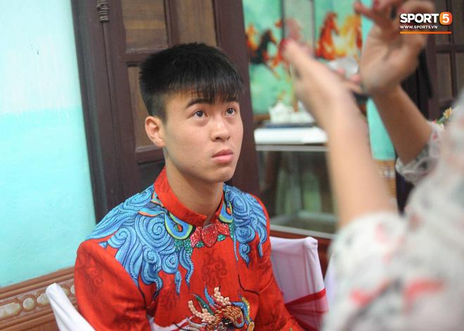 Đám hỏi trung vệ Duy Mạnh - Quỳnh Anh: Chủ rể ngại ngùng khi đặt chân tới nhà gái-24