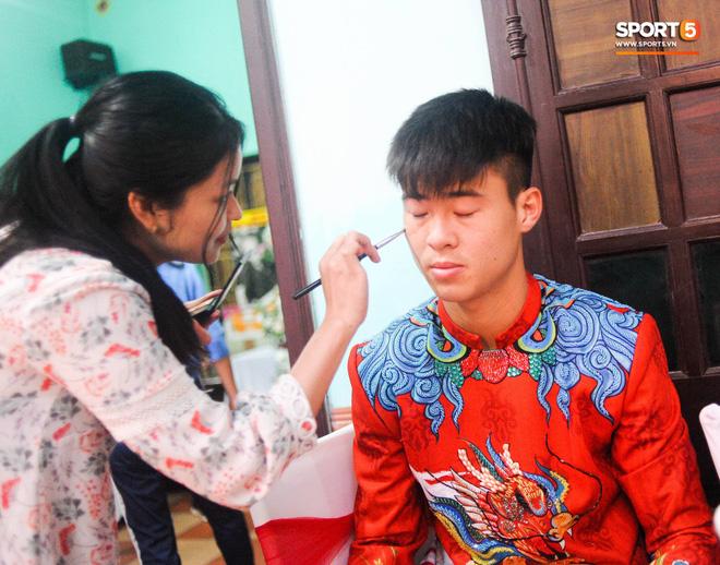 Đám hỏi trung vệ Duy Mạnh - Quỳnh Anh: Chủ rể ngại ngùng khi đặt chân tới nhà gái-25