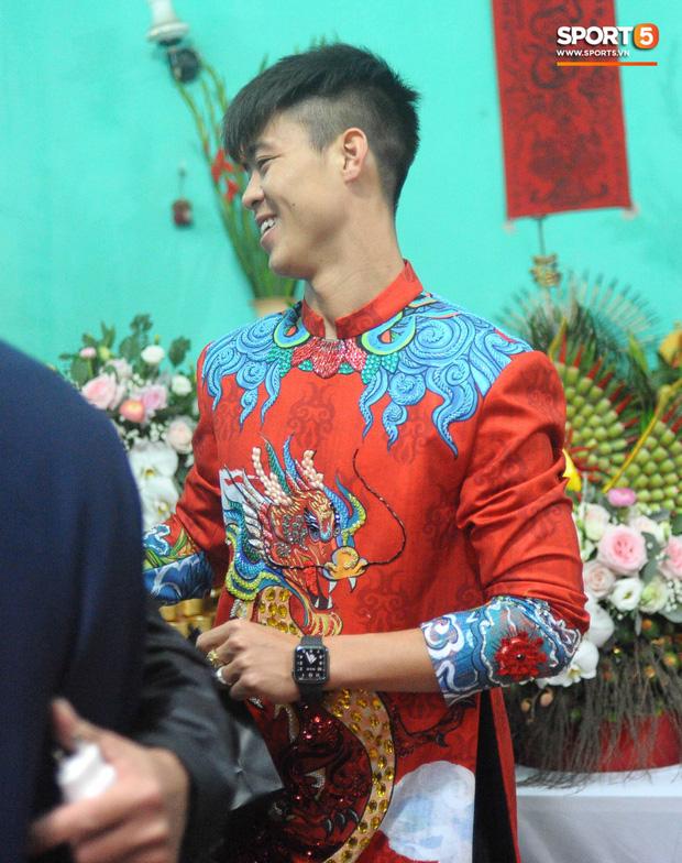 Đám hỏi trung vệ Duy Mạnh - Quỳnh Anh: Chủ rể ngại ngùng khi đặt chân tới nhà gái-26